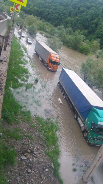 foto valcea oltului inundatii 2